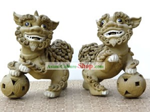 Hand Made Foshan Artistic Ceramics-Dancing Lion Pair