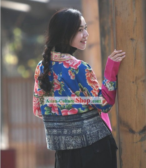 Chinese Classical Handmade and Embroidered Folk Cotton Blouse for Women