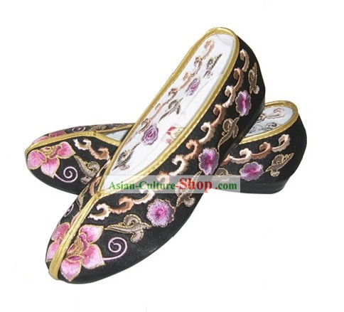 Chinese Traditional Handmade Embroidered Princess Satin Shoes (various flower, black)