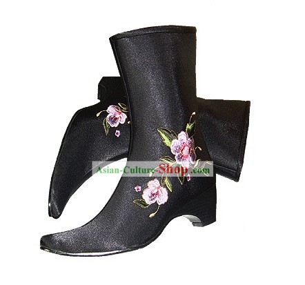 Chinese Traditional Handmade Embroidered Cotton Long Winter Boots