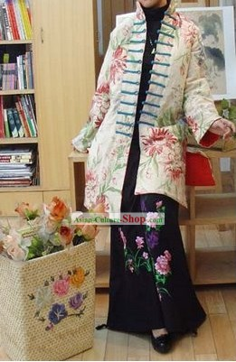 Chinese Classic Mandarin Collar and Button Large Flower Winter Outercoat