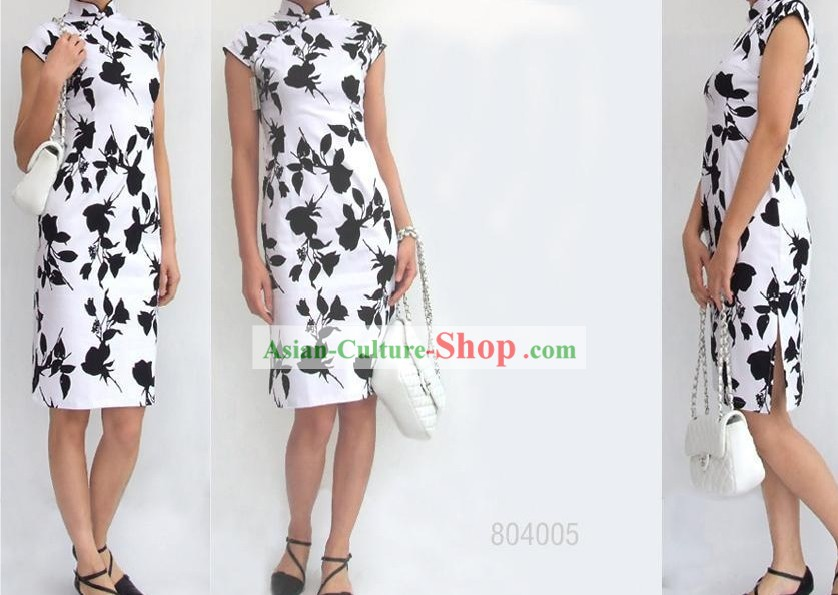 Chinese Traditional White and Black Cotton Cheongsam (Qipao)