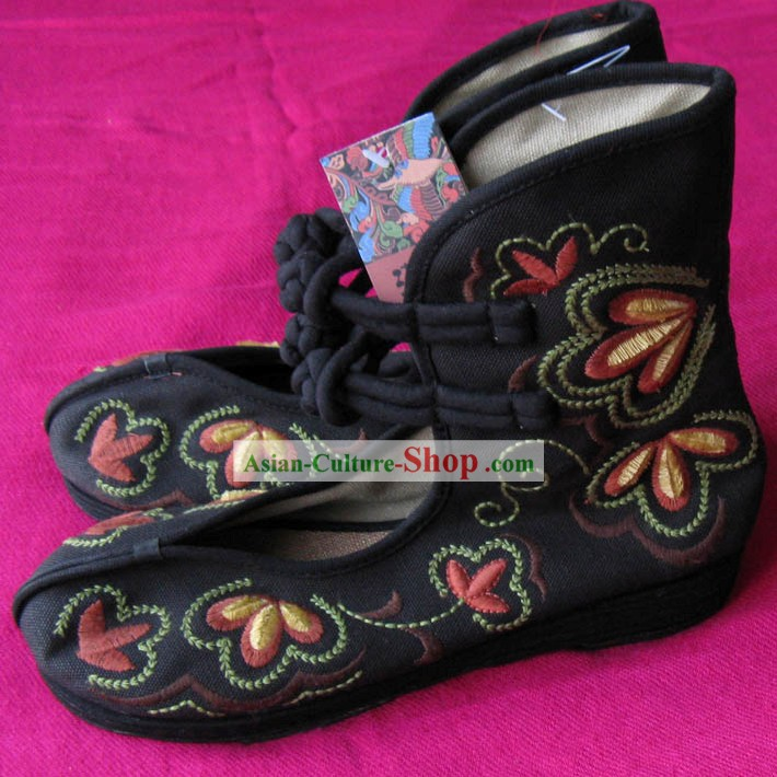 Chinese Traditional Handmade Cloth Boots for Women