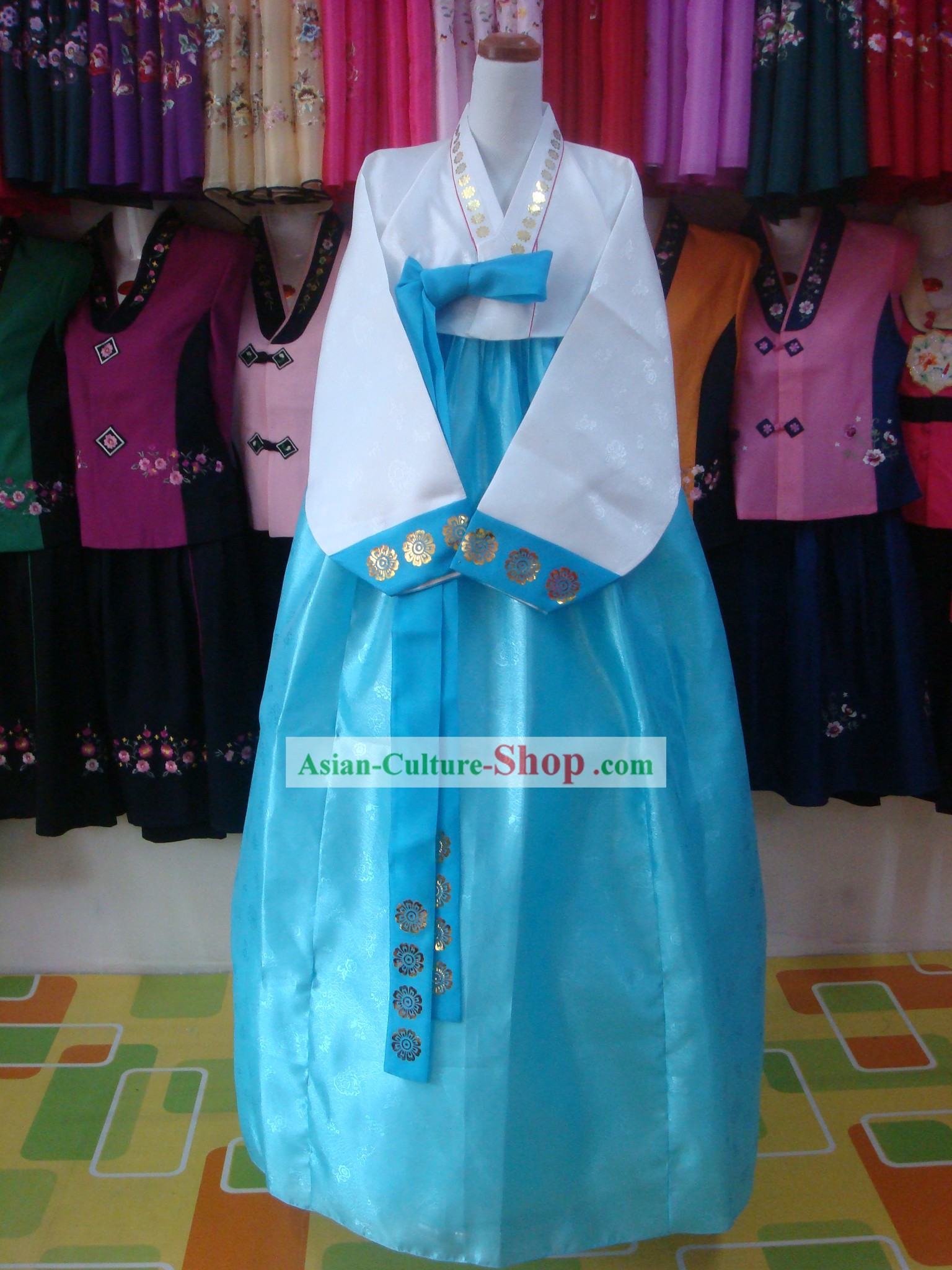 Traditional korean women wedding mother in law hanbok for Mother in law wedding dresses