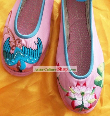 Chinese Traditional Hand Made Embroidery Shoes