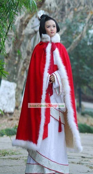 Chinese Classic Beauty Red Cape and Hanfu Quju Clothing