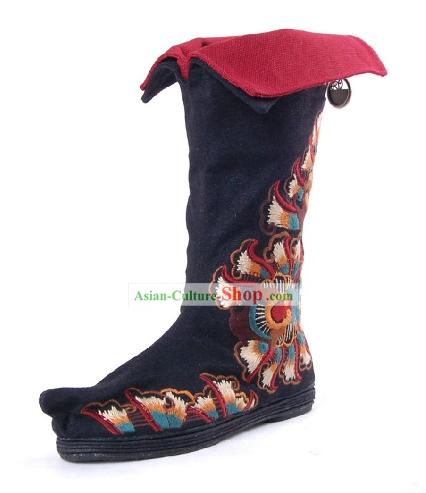 Chinese Handmade Qian Ceng Di Embroidered Boots
