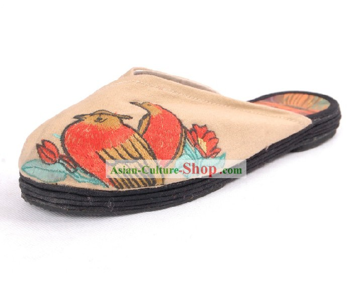 Chinese Handmade Qian Ceng Sole Folk Embroidered Cloth Shoes
