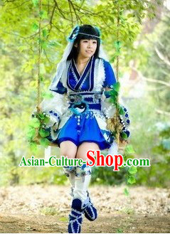 Ancient Chinese Female Halloween Costume and Headpiece