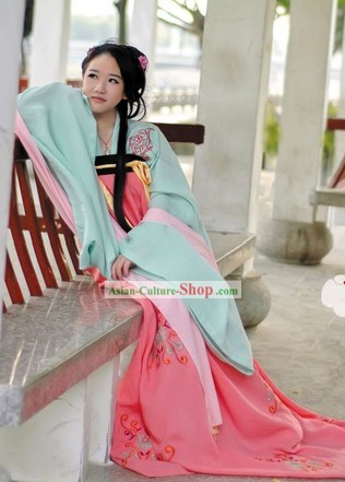 Ancient Chinese Tang Dynasty Beauty Clothing