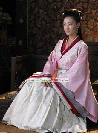 Ancient Han Dynasty Palace Lady Costume and Hair Accessories for Women