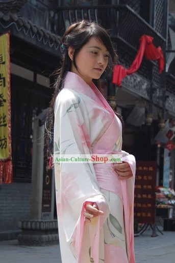 Ancient Chinese Hanfu Quju Flower Clothing for Women