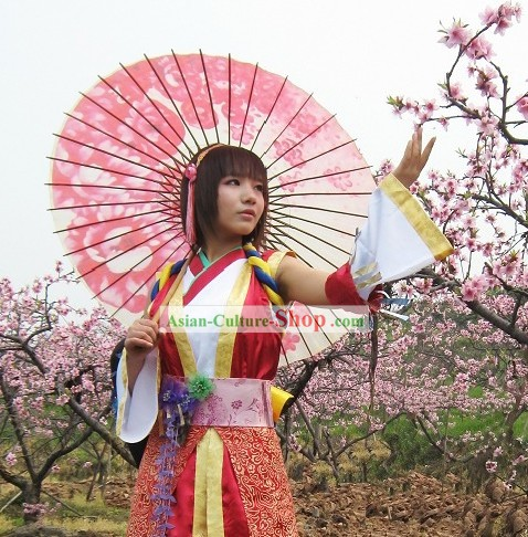 Ancient Chinese Swordswoman Cosplay