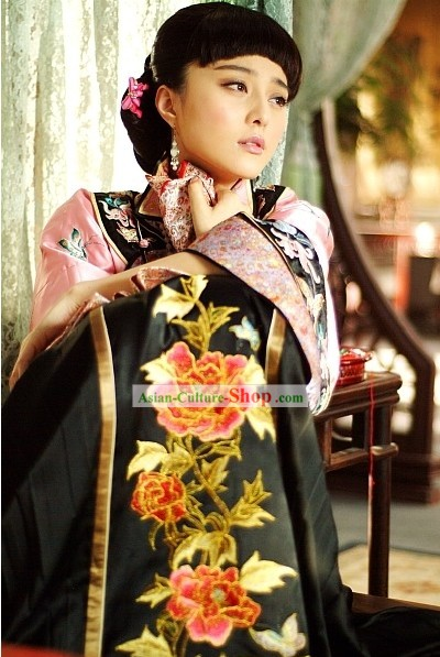 Traditional Chinese Wedding Dress and Hair Accessories for Women
