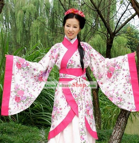 Ancient Chinese Clothing for Beauty