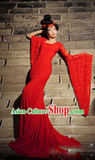 Chinese Classical Red Wedding Dress and Hair Accessories