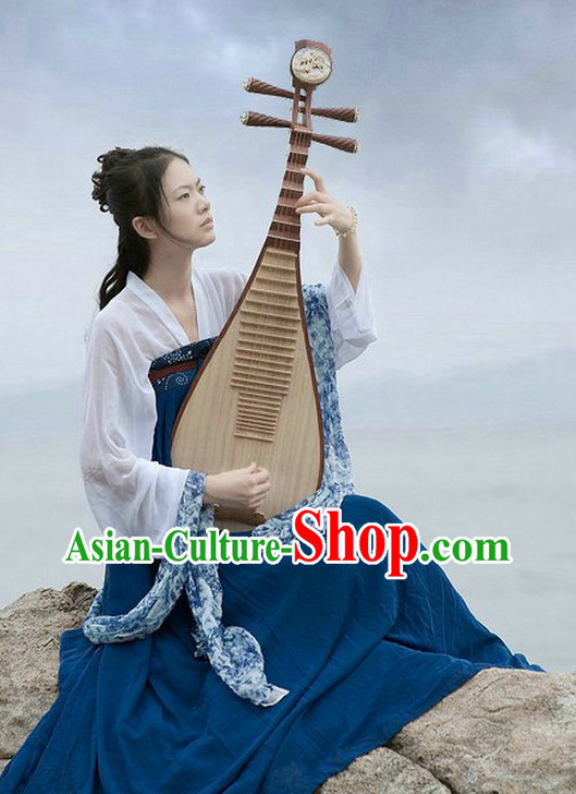 Ancient Chinese Tang Dynasty Female Artist Costume