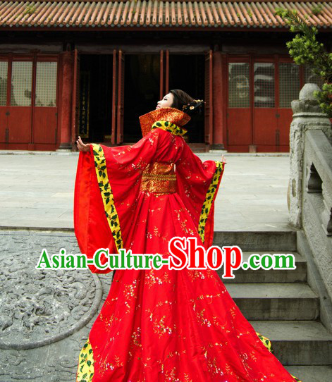 Ancient Chinese Tang Dynasty High Collar Wedding Dress with Long Tail