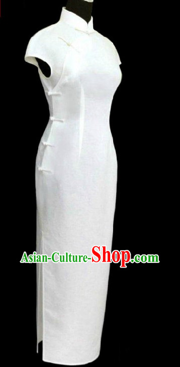 Traditional White Cotton and Flax Long Cheongsam