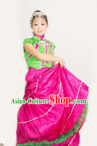 Traditional Chinese Yi Ethnic Clothing and Hat for Women