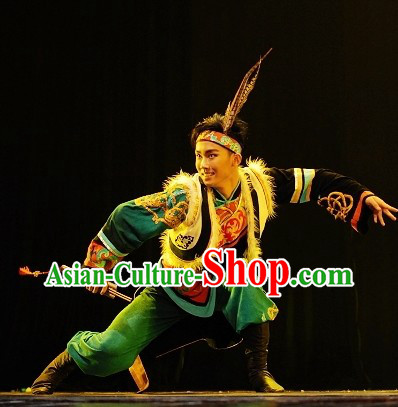 China Qiang Ethnic Tribe Clothes for Men