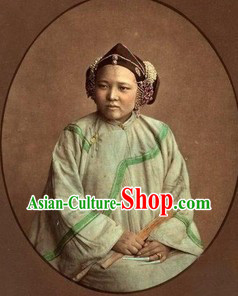 Qing Dynasty Traditional Clothing for Women