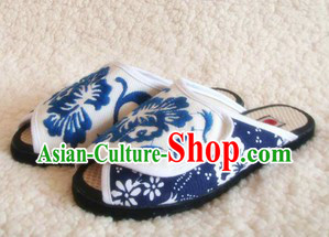 Traditional Chinese Blue and White Handmade Cotton Slippers with Thick Cotton Sole