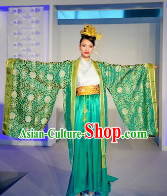 China Traditional Formal Dressing Costume and Headdress for Women