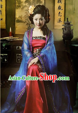 Chinese Tang Dynasty Traditional HanFu and Hair Accessories for Women