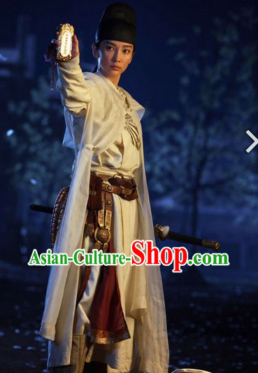 Ancient China Tang Dynasty Swordsman Clothing and Hat