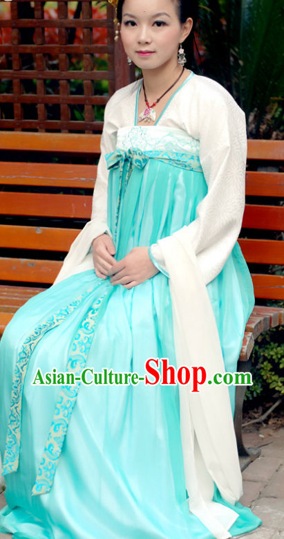 Traditional Chinese Tang Dynasty Clothing for Women