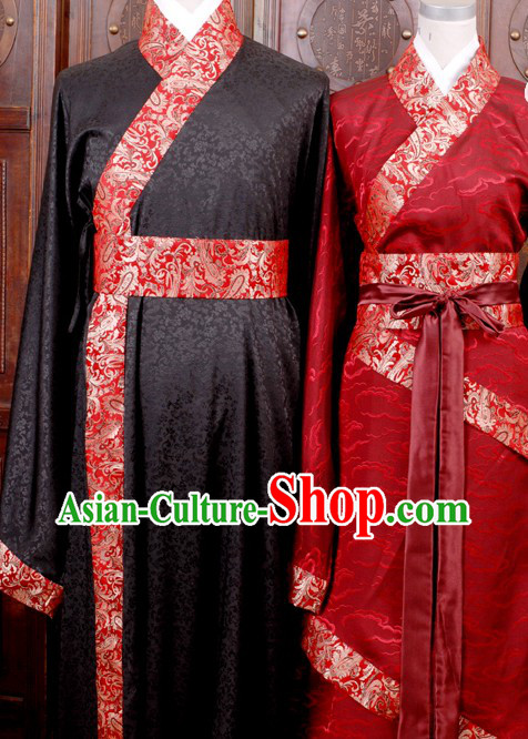 Traditional Chinese Black and White Wedding Dresses for Men and Women