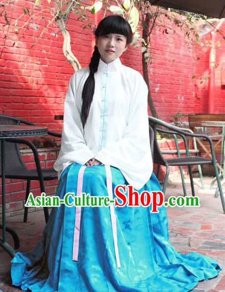 Traditional Chinese Blue and White Clothing for Women
