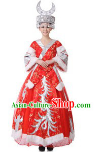 Traditional Chinese Miao Tribe Clothing and Hat for Brides