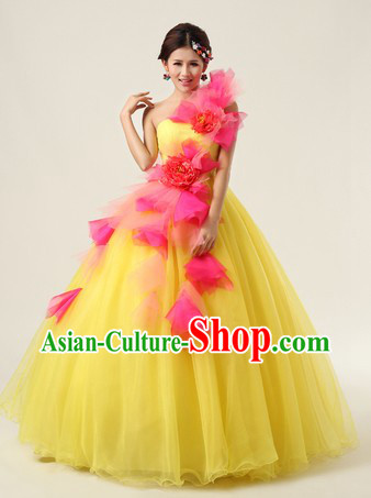 Traditional Chinese Yellow Dance Costumes for Women