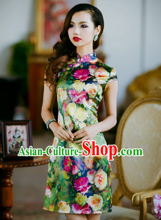 Traditional Chinese Short Floral Cheongsam Qipao