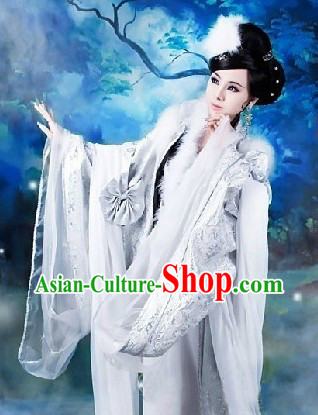 Ancient Chinese White Foxtrel Costumes for Women