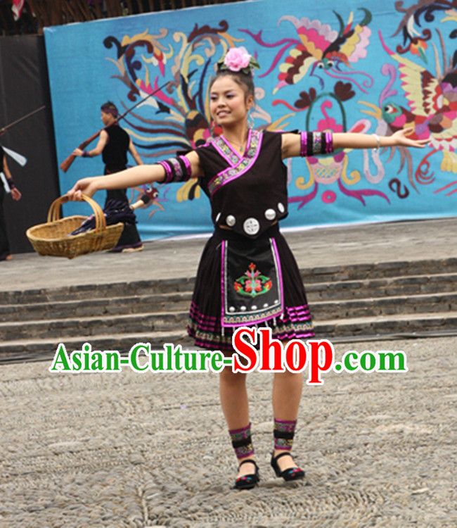 Traditional Ancient Chinese Miao Necklace, Headwear and Outfit for Women