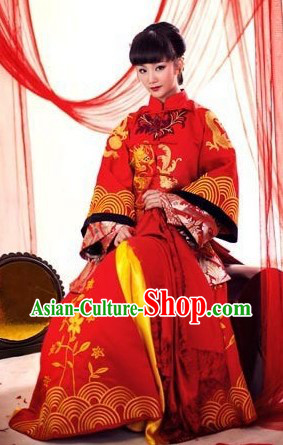 Red Chinese Classical Wedding Suit for Brides
