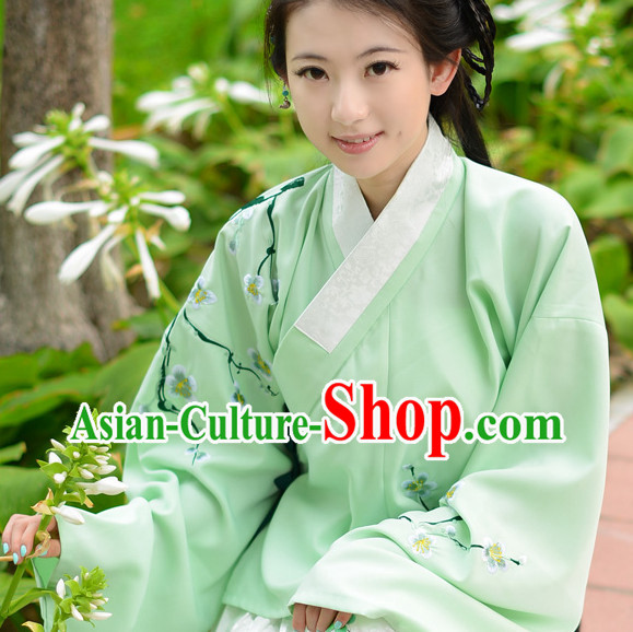 Ancient Chinese Traditional Ming Dynasty Garment for Women