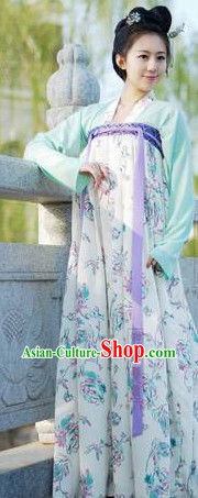 Ancient Chinese Traditional Tang Dynasty Clothes for Women
