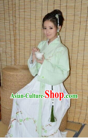 Ancient Chinese Light Green Lady Clothing