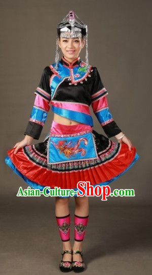 China She Ethnic Minority Clothing and Hat for Women