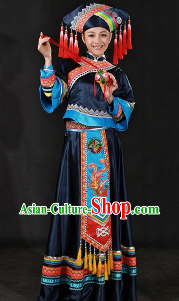 Traditional Chinese Zhuang Clothes and Hat for Women