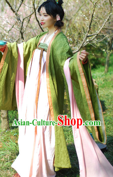 Han Dynasty Female Traditional Outfits
