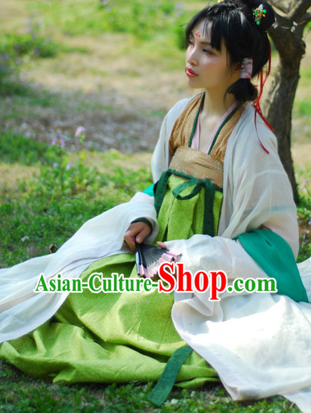 Han Dynasty Female Traditional Clothing