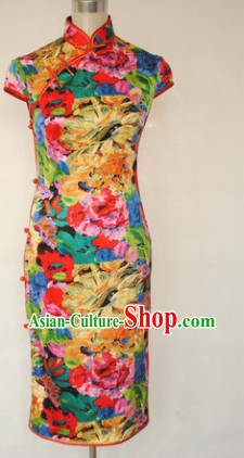 Traditional Chinese Silk Rainbow Flower Cheongsam