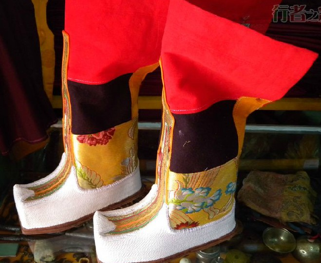 Traditional Tibetan Boots for Sale for Men