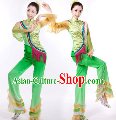 Traditional Chinese Yangge Group Dance Dresses and Hair Accessories