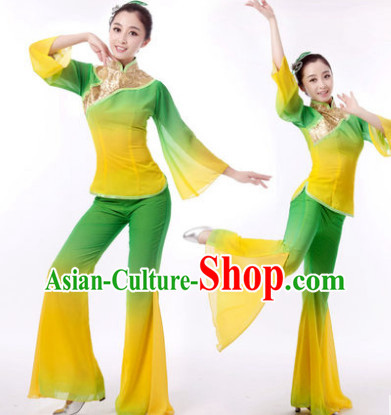 Traditional Chinese Clothing for Professional Stage Performance